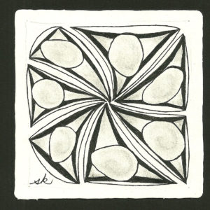 My tile for Diva Challenge #284 featuring Tripoli as a monotangle.